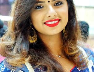 London Trade Body Certified One Day Personalised Makeup Workshop/Online 1 to 1 sessions by Makeup Guru Lekshmi Menon